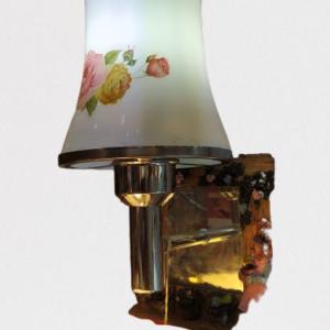 Flower shadde wall lamp